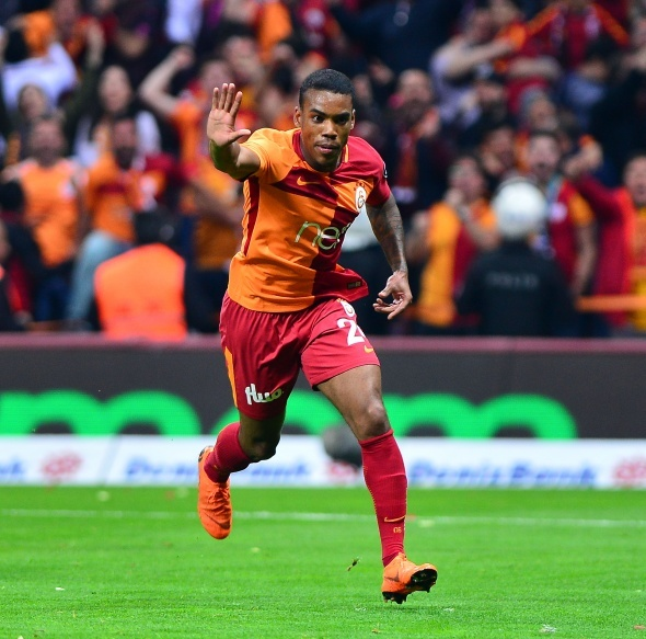Galatasaray'da Rodrigues'in yerine o geliyor!