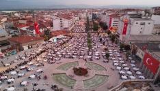 Boluda 20 bin kişi birlikte iftar yaptı