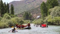 Kato Dağı eteklerinde Petting Rafting Festivali