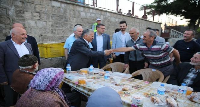 Başkan Büyükkılıç, Kıranardı sakinleri ile iftar sofrasında