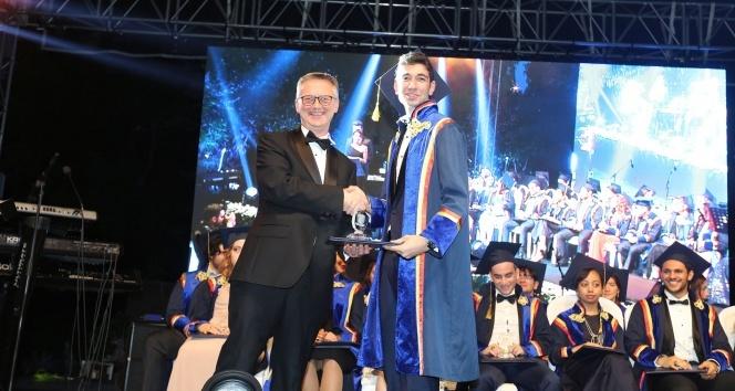 Tarabya İngiliz Okullarının mezuniyet töreni gerçekleşti
