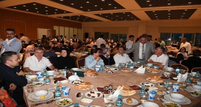Kayseri OSB Yönetimi ve Çalışanları İftar Yemeğinde Buluştu