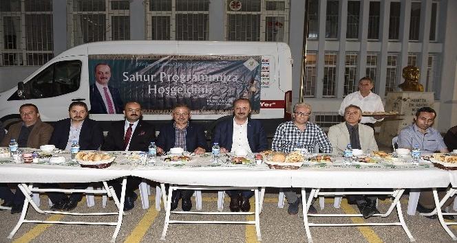 Başkan Akgül vatandaşlarla sahur yaptı