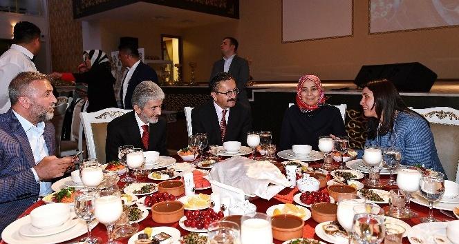 Başkan Tuna iftarda Altındağlılarla buluştu