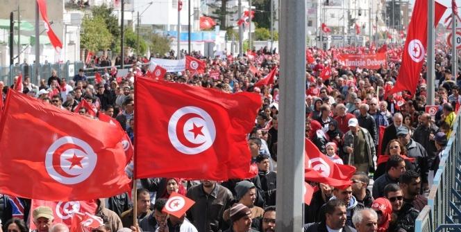 Kardeş ülke Tunus'ta darbe girişimi!