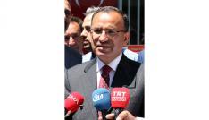 """Bekir Bozdağ: """"Sayın İnce dürüst bir siyasetçi gibi davranmalı Türkiyeden özür dilemelidir"""""""