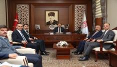 Milli Eğitim Bakanlığı Bürokratları Vali Ali Hamza Pehlivanı ziyaret etti