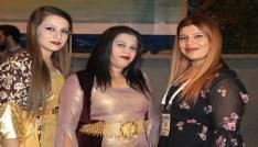 Yöresel kıyafetli kızlar Ramazan gecelerine renk kattı