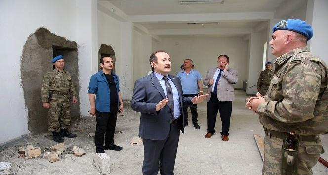 Vali Pehlivan prefabrik yapıları inceledi