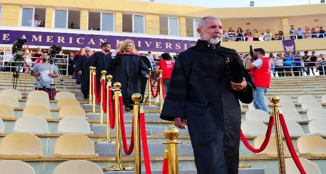 Kurucu Rektör Akpınar, mezunlara seslendi