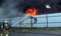 Ayazağa'da fabrikada yangını!