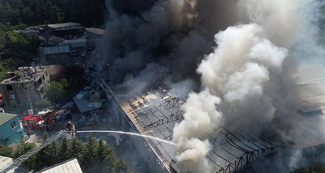 İstanbulu dumana boğan yangın havadan görüntülendi