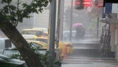 Kahramanmaraşta sele dönüşen yağışlar hayatı felç etti