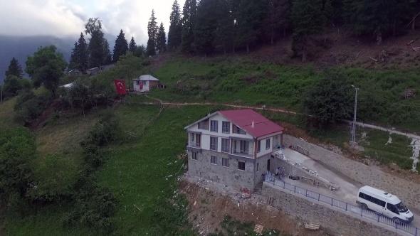 İşte Şehit Eren Bülbül'ün ailesine hediye edilen ev! Mezarının yanına yapıldı...