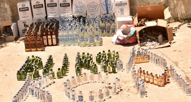 KOM ekipleri 662 şişe kaçak içki ele geçirdi