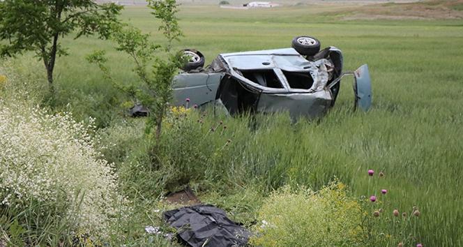 Otomobil şarampole yuvarlandı: 2 ölü, 2 yaralı!