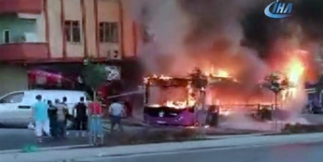 Özel halk otobüsü alev alev yandı! O anlar kamerada