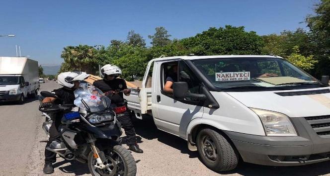 Antalya'da polisten bayram uygulaması