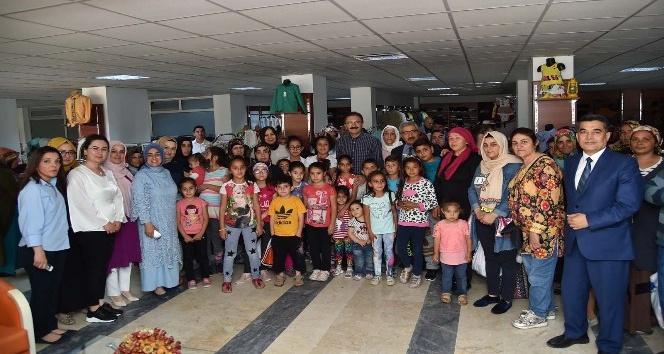 450 gülen yüz 450 mutlu çocuk daha