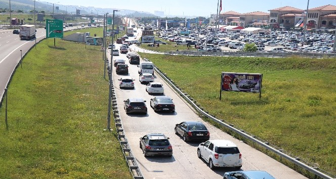 Bolu'da, bayram trafiği yoğunluğu
