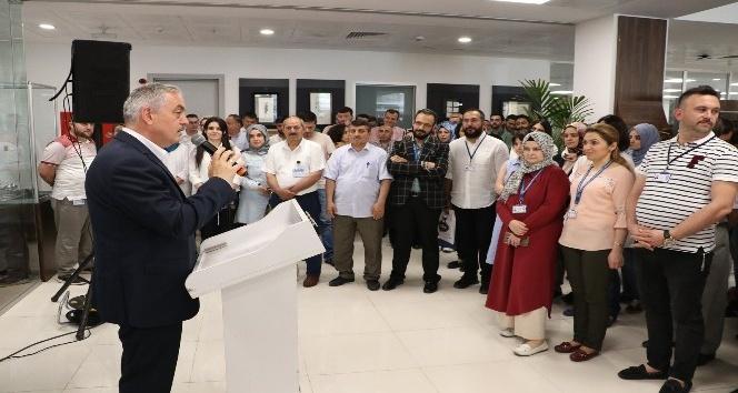 Başkan Remzi Aydın, belediye çalışanlarıyla bayramlaştı