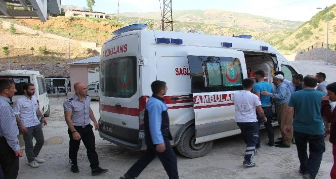 Minibüs şarampole yuvarlandı: 12 yaralı