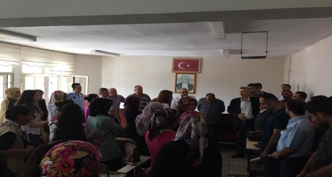 Başkan Cömertoğlu personelle bayramlaştı