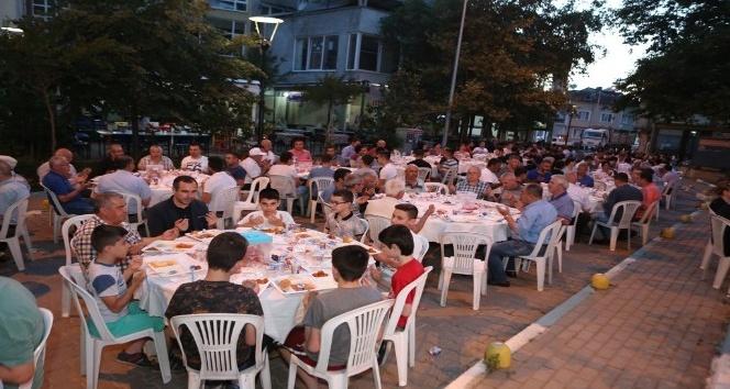 Nilüfer'in mahalle iftarlarında 25 bin kişi ağırlandı