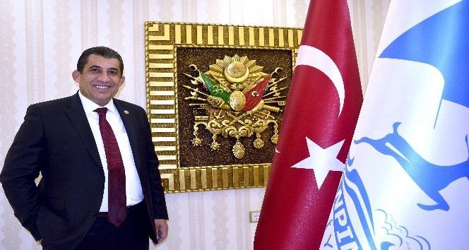 Belediye Başkanı Menderes Atilla'dan Ramazan Bayramı kutlaması