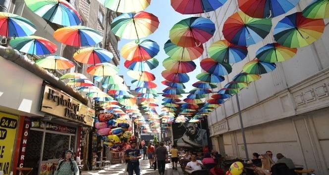 Çorlu'da 'şemsiye sokak' uygulaması