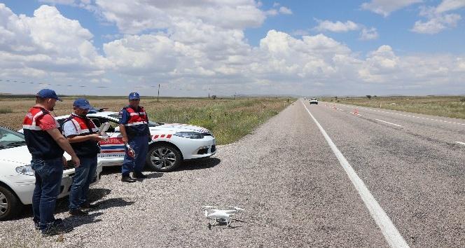 Jandarmadan 'drone'li trafik denetimi