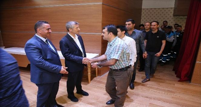 Başkan Tahmazoğlu, personelleriyle bayramlaştı