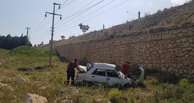 Otomobil köprüden dereye uçtu: 1 Yaralı