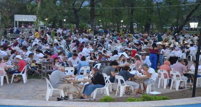 Köyceğiz'de 5 bin kişi iftar sofrasında buluştu