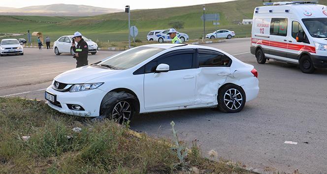 Sivas'ta trafik kazası: 2 yaralı!