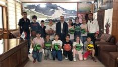 Başkan Epcim 100 çocuğu sevindirdi