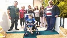 7 yaşındaki Dayanın tekerlekli sandalye sevinci
