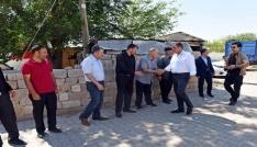 Vali Tekinarslan Şehit ailesini ziyaret etti