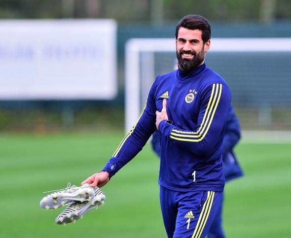 Fenerbahçe'de Volkan Demirel kararı verildi! Yeni sezonda...