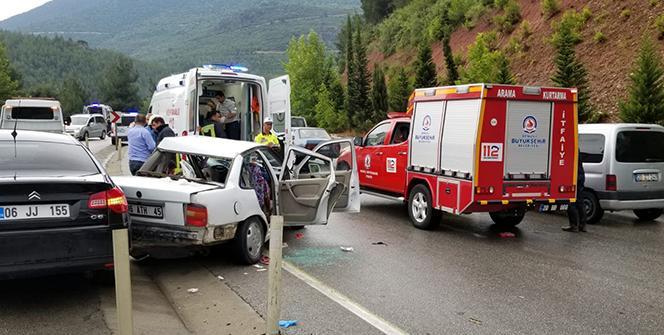 Feci kaza! 4 araç birden... Ölü ve çok sayıda yaralı var
