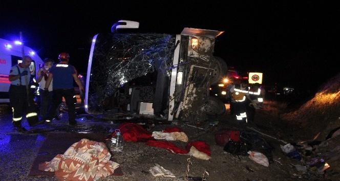 Karamandaki otobüs kazasında ölen 3 kişinin kimliği belirlendi