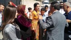 AK Parti heyeti, bayramı mahallelerde geçirdi