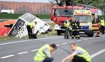 Polonya'da feci kaza: 2 ölü, 27 yaralı