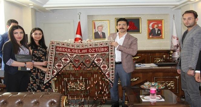 Başkan Vekili Öztürk, belediye personelleriyle bayramlaştı