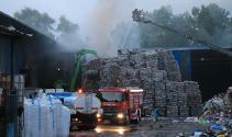 Samsun'da geri dönüşüm deposunda korkutan yangın