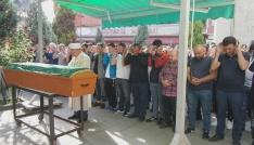Uyuşturucudan öldüğü iddia edilen genç toprağa verildi