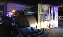 Basın Ekspres Yolu'nda rulo kağıt yüklü tır devrildi: 2 yaralı