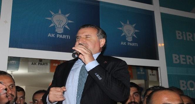 Bakan Bak; Adam kendi partisine genel başkan seçilememiş, iki defa kaybetmiş, çıkmış diyor ki ben Türkiyeyi yöneteceğim