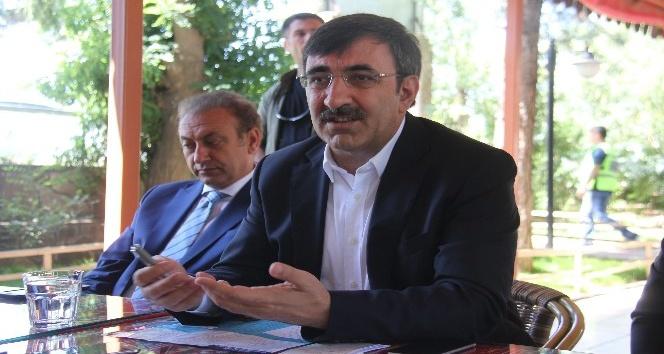 """AK Partili Yılmaz: """"Vesayetçi anlayış, tarihin çöp sepetine atıldı"""""""