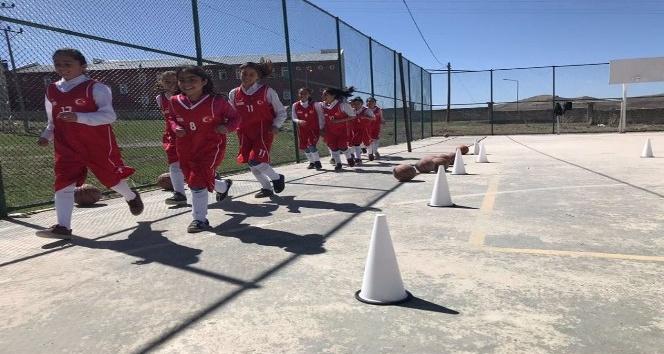 Özalp ilçesinde Gençler Sporla Hayat Bulsun projesi